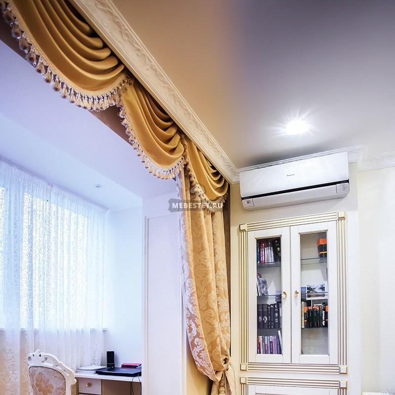 Встроенный шкаф-витрина