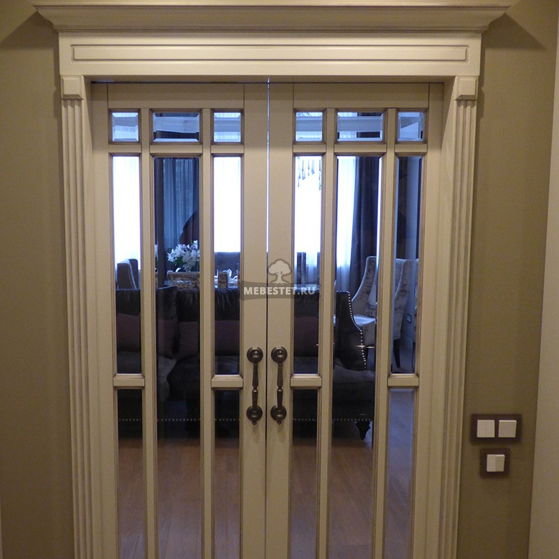 Двери межкомнатные со стеклянной раскладкой