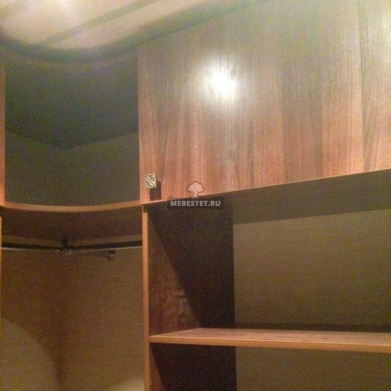 Угловая секция шкафа со штангами