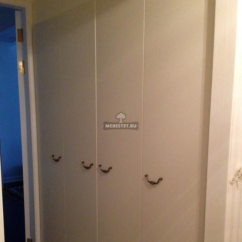 Современный шкаф в прихожей