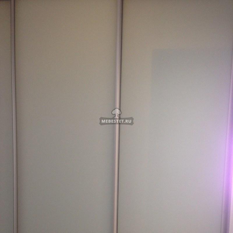 Двери-купе из матированного стекла