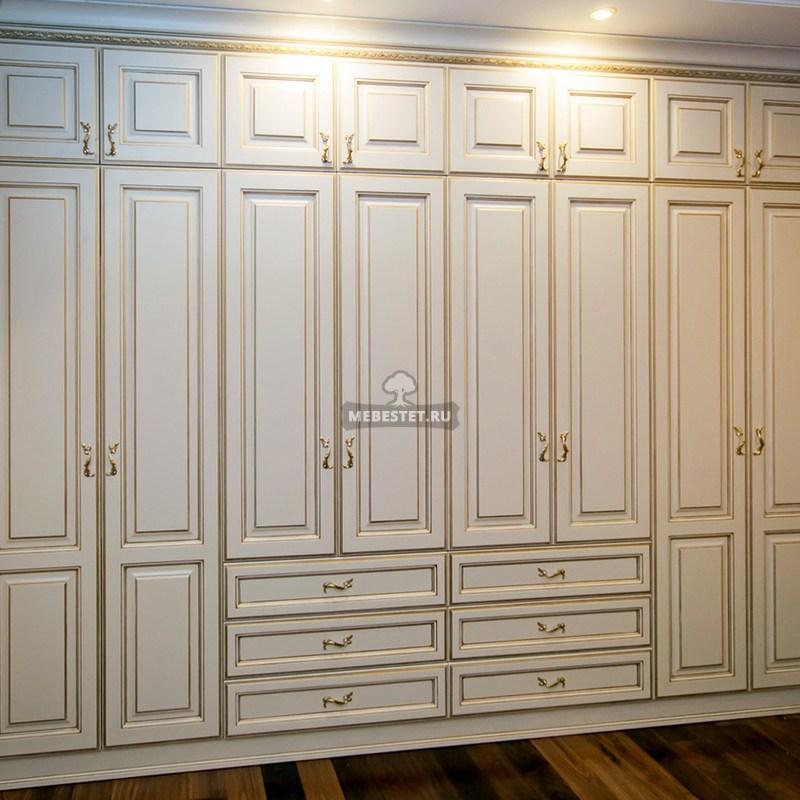 Шкаф для спальни классика