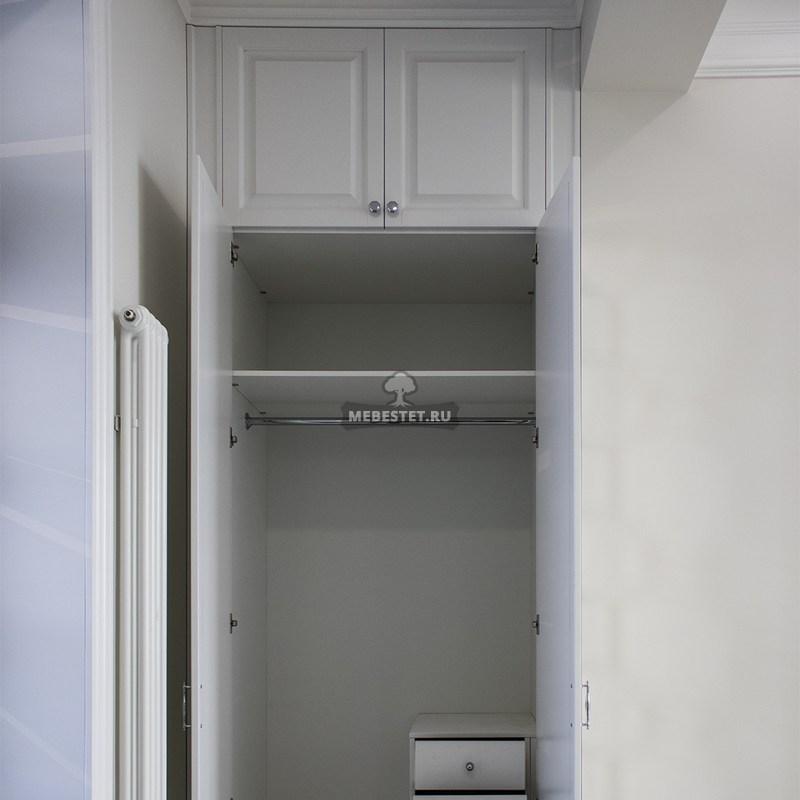 Внутреннее наполнение белого шкафа