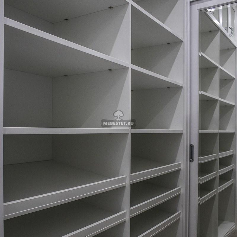 Шкаф для личных вещей и зеркальная дверь-купе