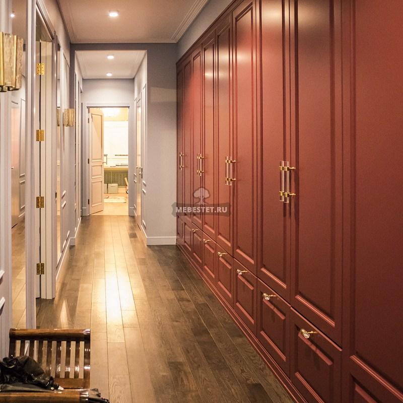 Распашной шкаф в коридор