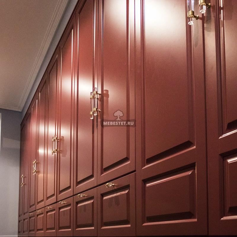 Распашной шкаф вид снизу