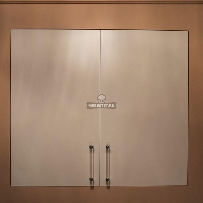 Двустворчатый встроенный шкаф в ванную