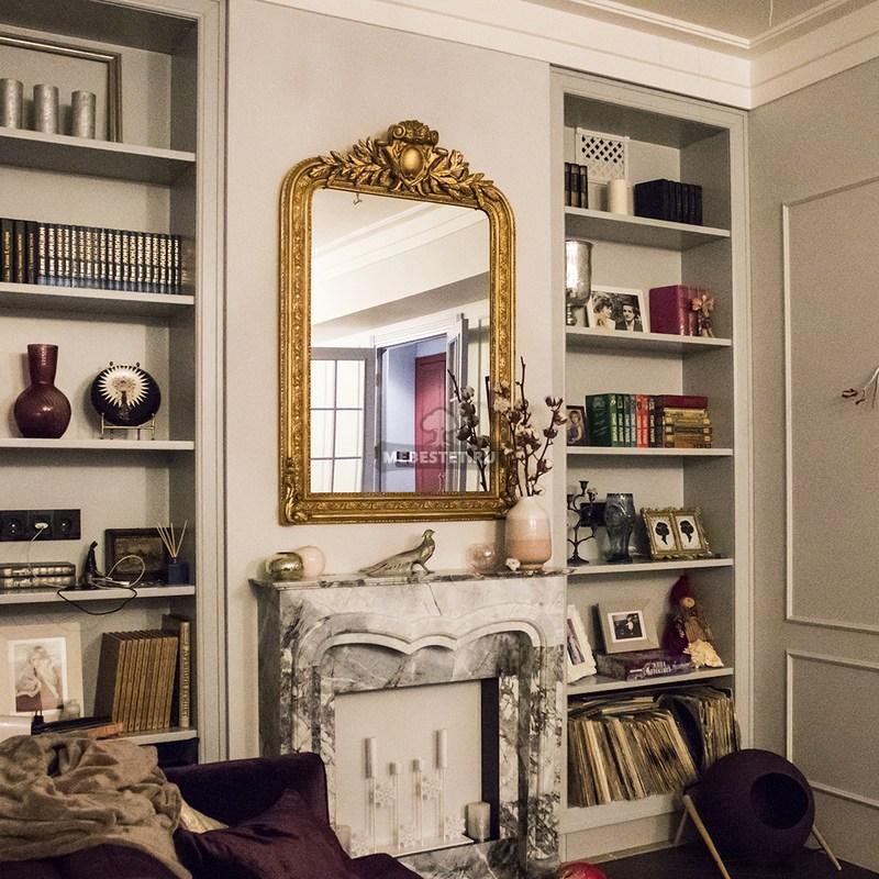 Встроенные шкафы-стеллажи в гостиной под заказ