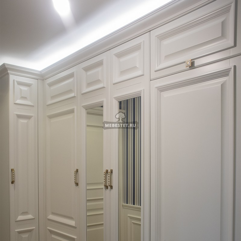Шкаф в прихожую из МДФ
