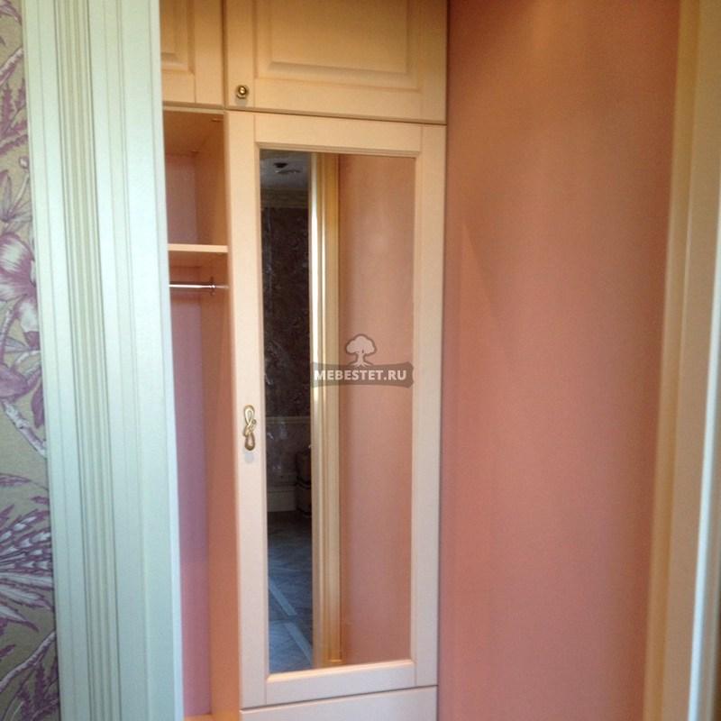 Зеркальные двери в гардеробной