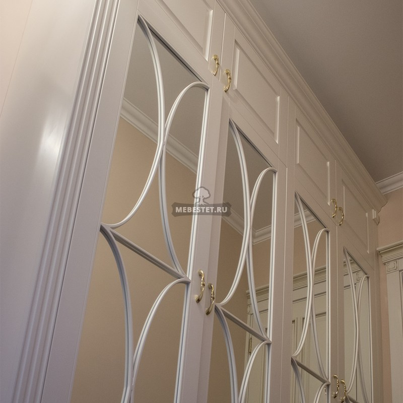 Декоративная раскладка на зеркале