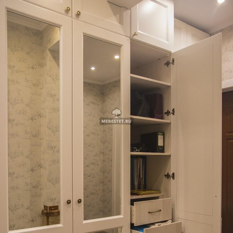 Фурнитура BLUM залог успеха любой мебели