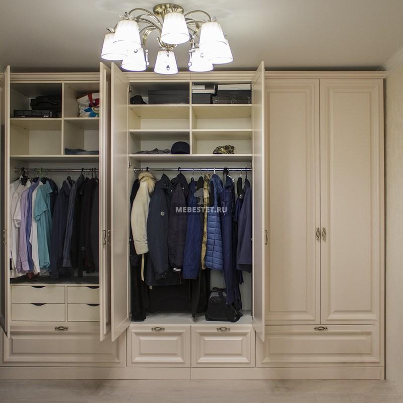 Шкаф для спальни изнутри