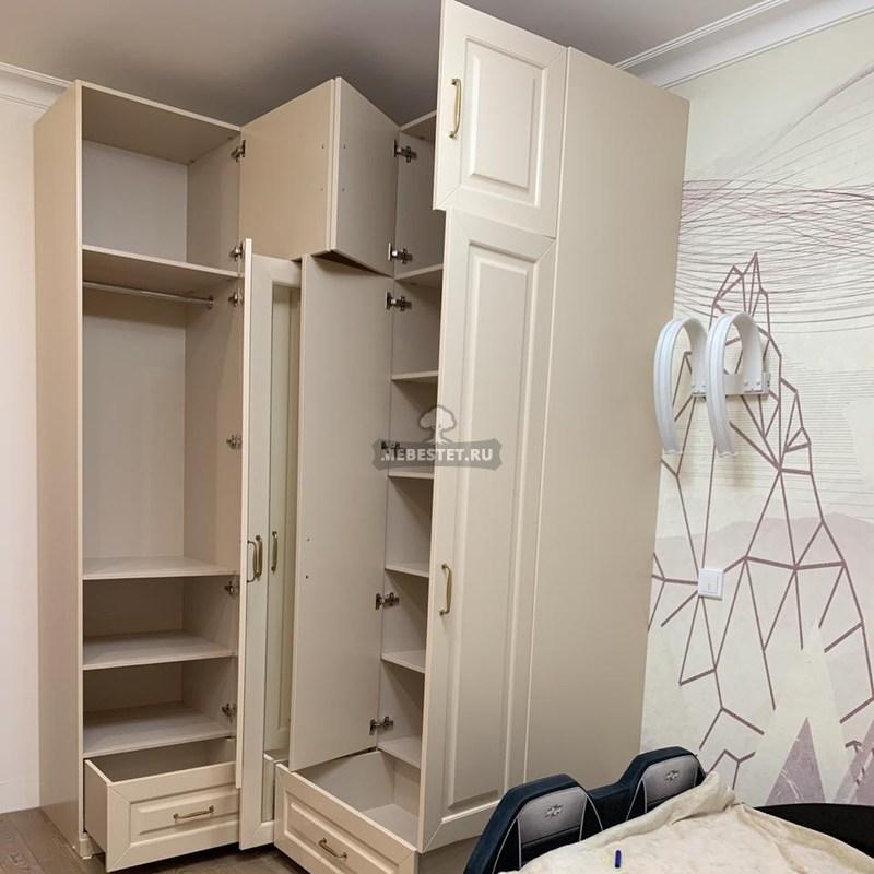 Внутренне наполнение шкафа в детскую