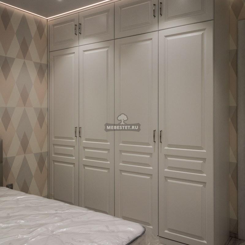 Встроенный шкаф классика