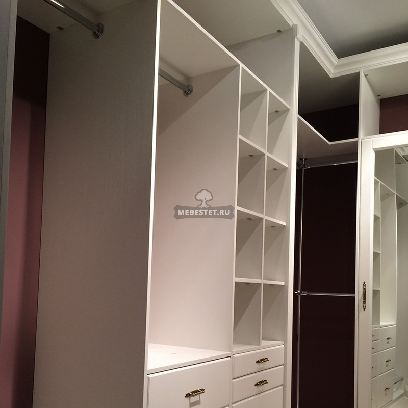 Встроенные комоды в гардеробной