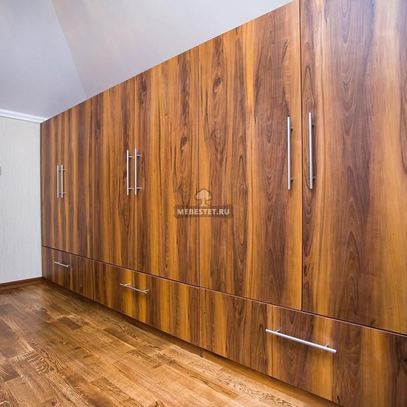 Гардеробные шкафы-купе из шпона