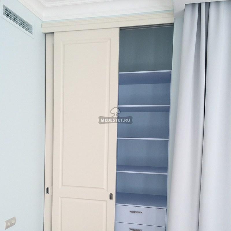 Раздвижные двери с филёнкой