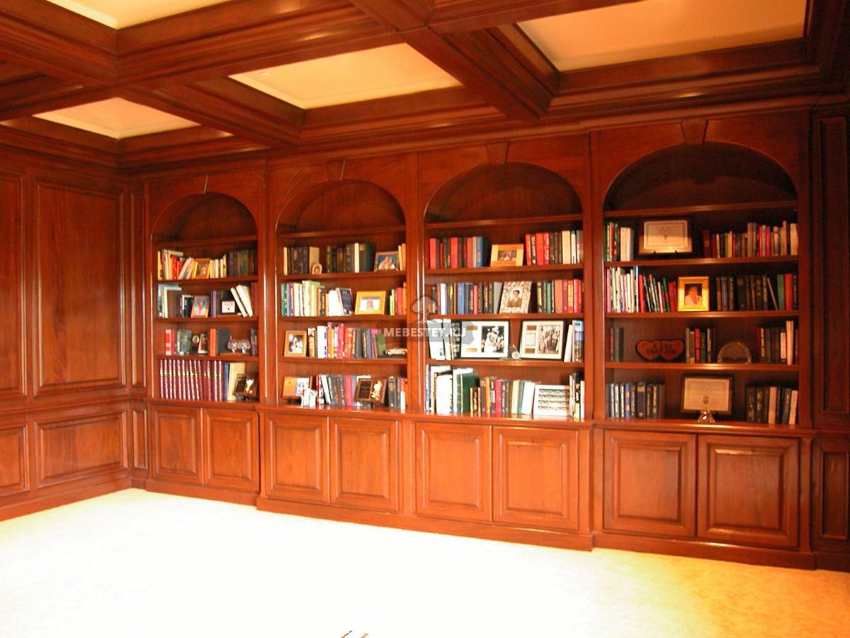 Стеновые панели и шкаф в библиотеку из массива.