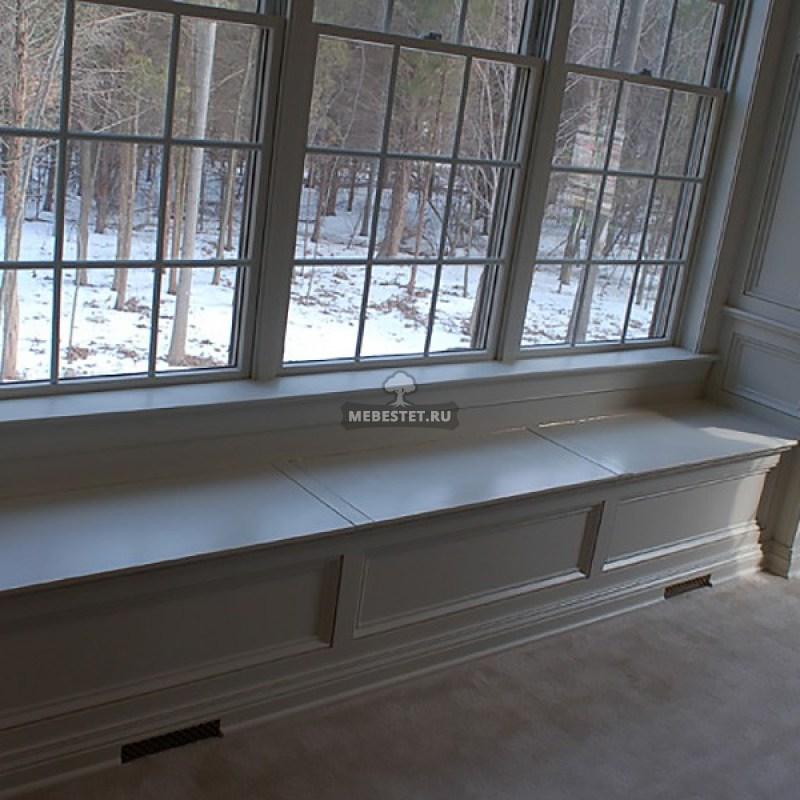 стеновые панели у окна
